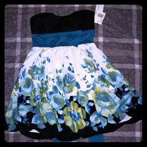 NWT- Speechless Strapless Floral Bubble Hem Dress